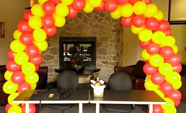 Ballon Arch ar Conference